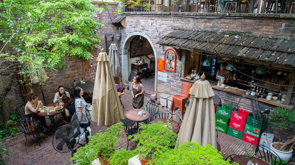 Xofa Cafe Bistro Chao Hanoi 4