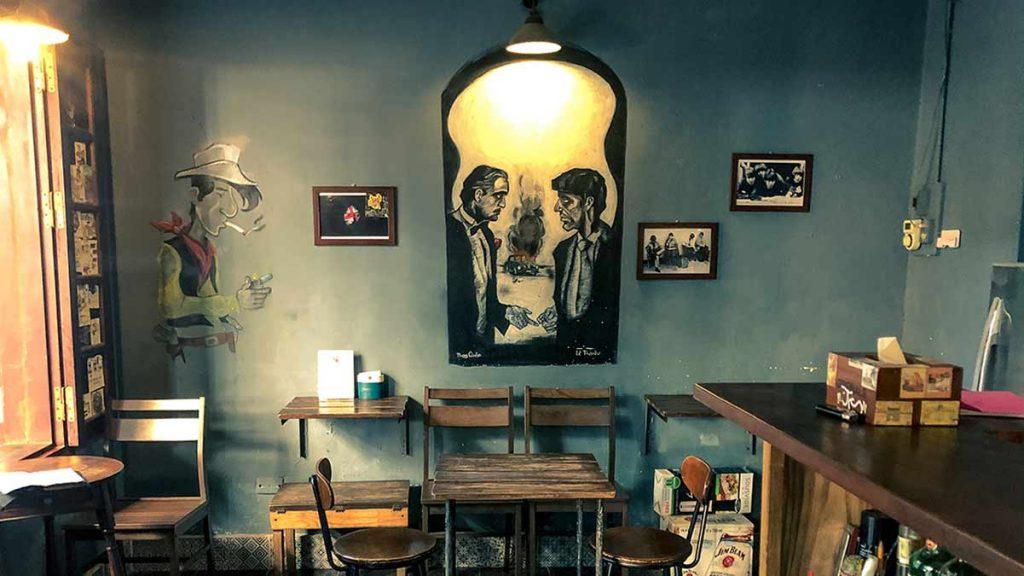 Lang Thang Bar Truc Bach Chao Hanoi 4