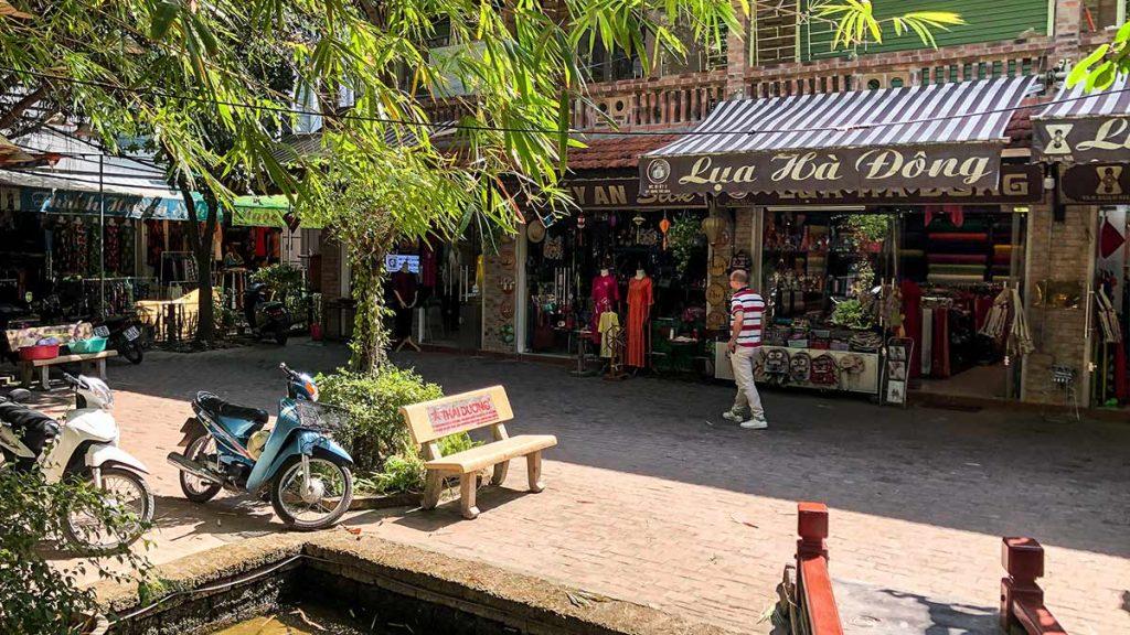 Van Phuc Silk Chao Hanoi 5