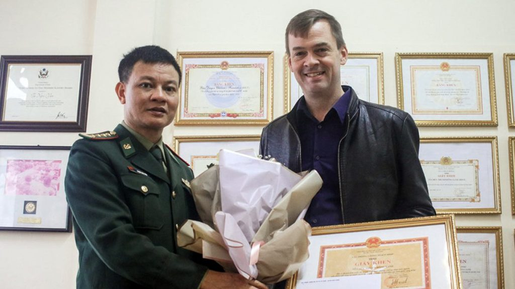 Vietnam's Border Defense Force Has Awarded Blue Dragon