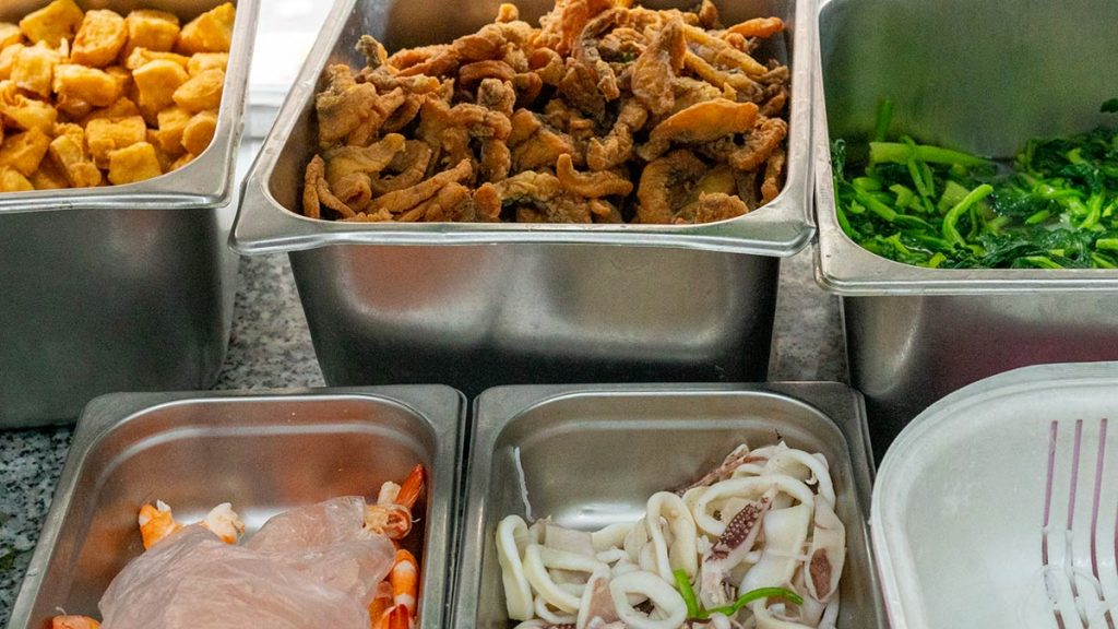 Hanoi Fish Soup Bun Thai 24 Ngu Xa 04