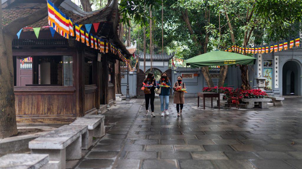 Singles In Hanoi