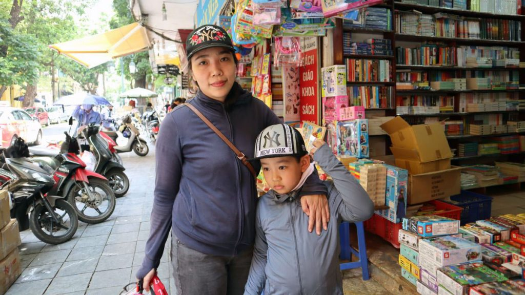 Thuy Duong And Her Kid