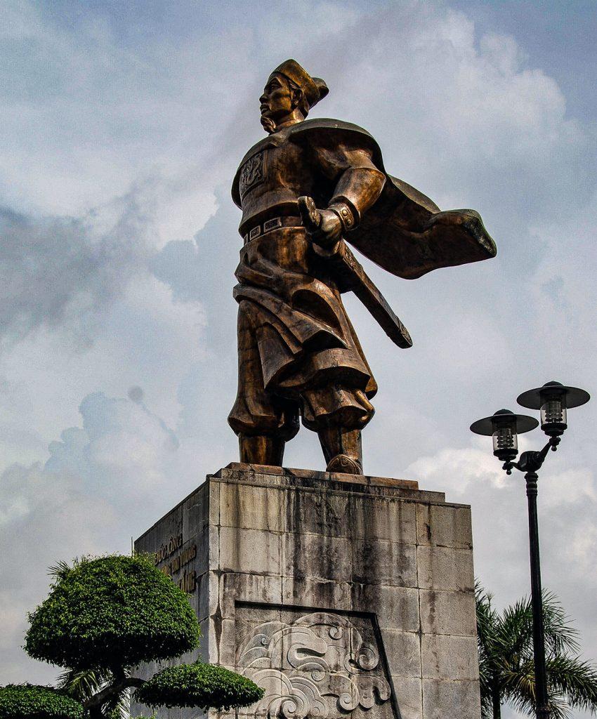 Tran Hung Dao Statue 2