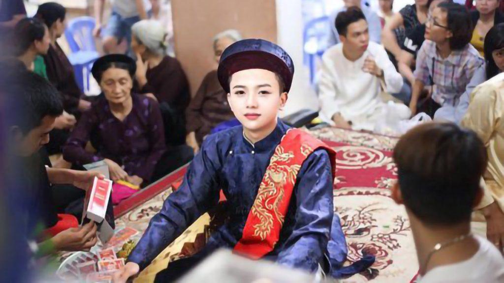 Emperor Dan Mang Phat Being Gay In Vietnam